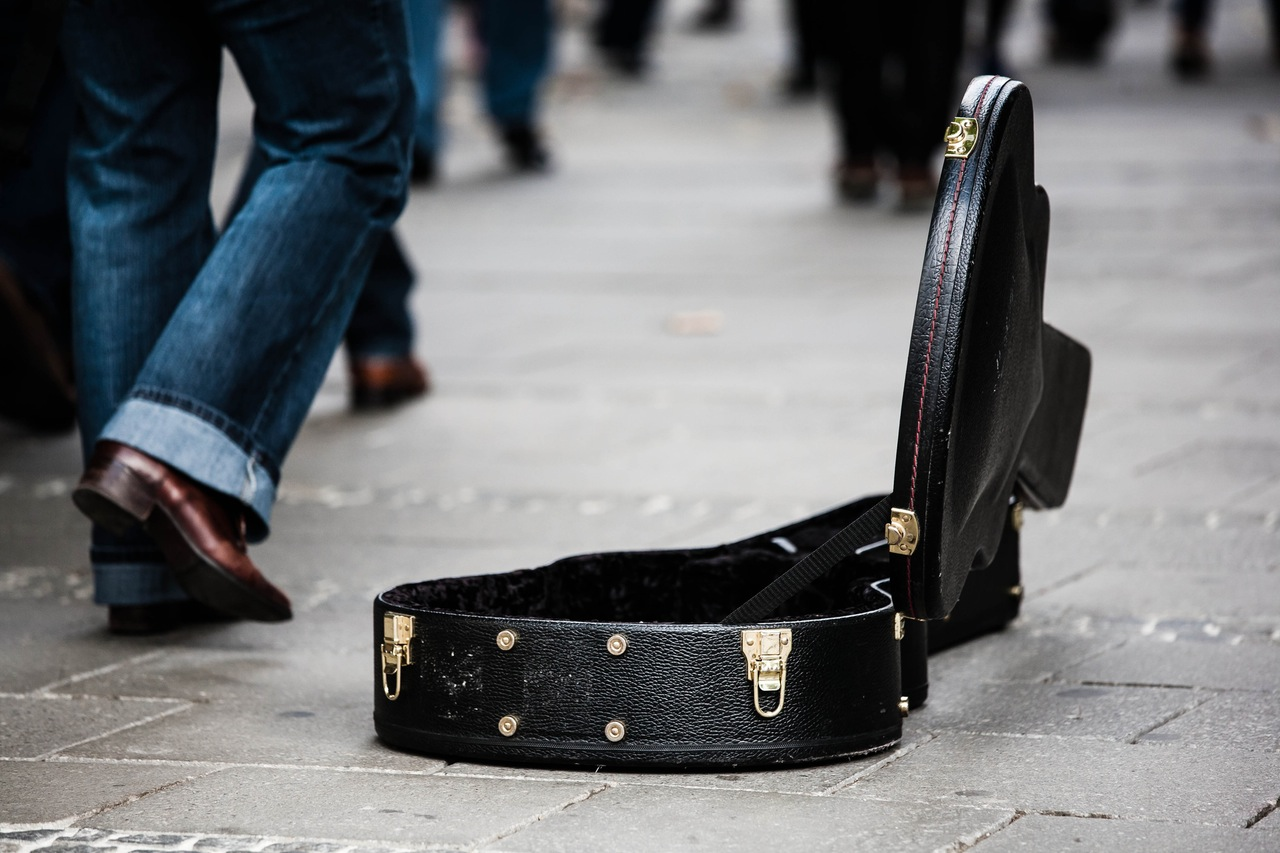 guitar-case-street-musicians-donate-donation-48171